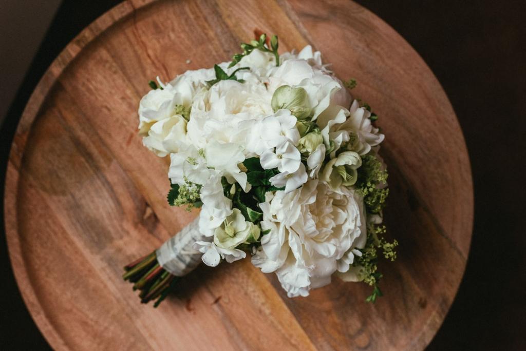 Professionelle Hochzeitsfotograf macht Qualitative Hochzeitsfotos